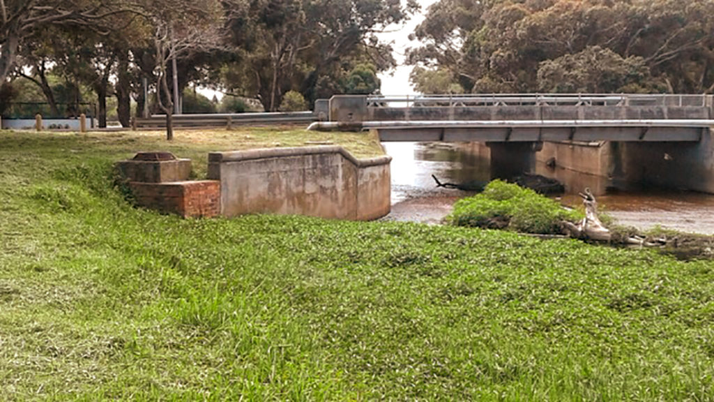 "The Liesbeek River – a ""neglected stormwater gutter"" or a ""powerful historic symbol""?"
